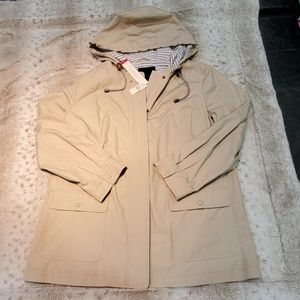 Talbots Water Resistant Lomg Tan Rain Coat Size XL